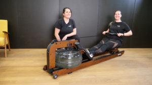 Prowject X: Sonja Graf (li.) und Marina Hunziker (re.) trainieren auf dem Premium-Rudergerät AQUAROWER 700 von Kettler.